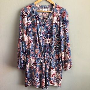 Old Navy floral long sleeve romper medium.